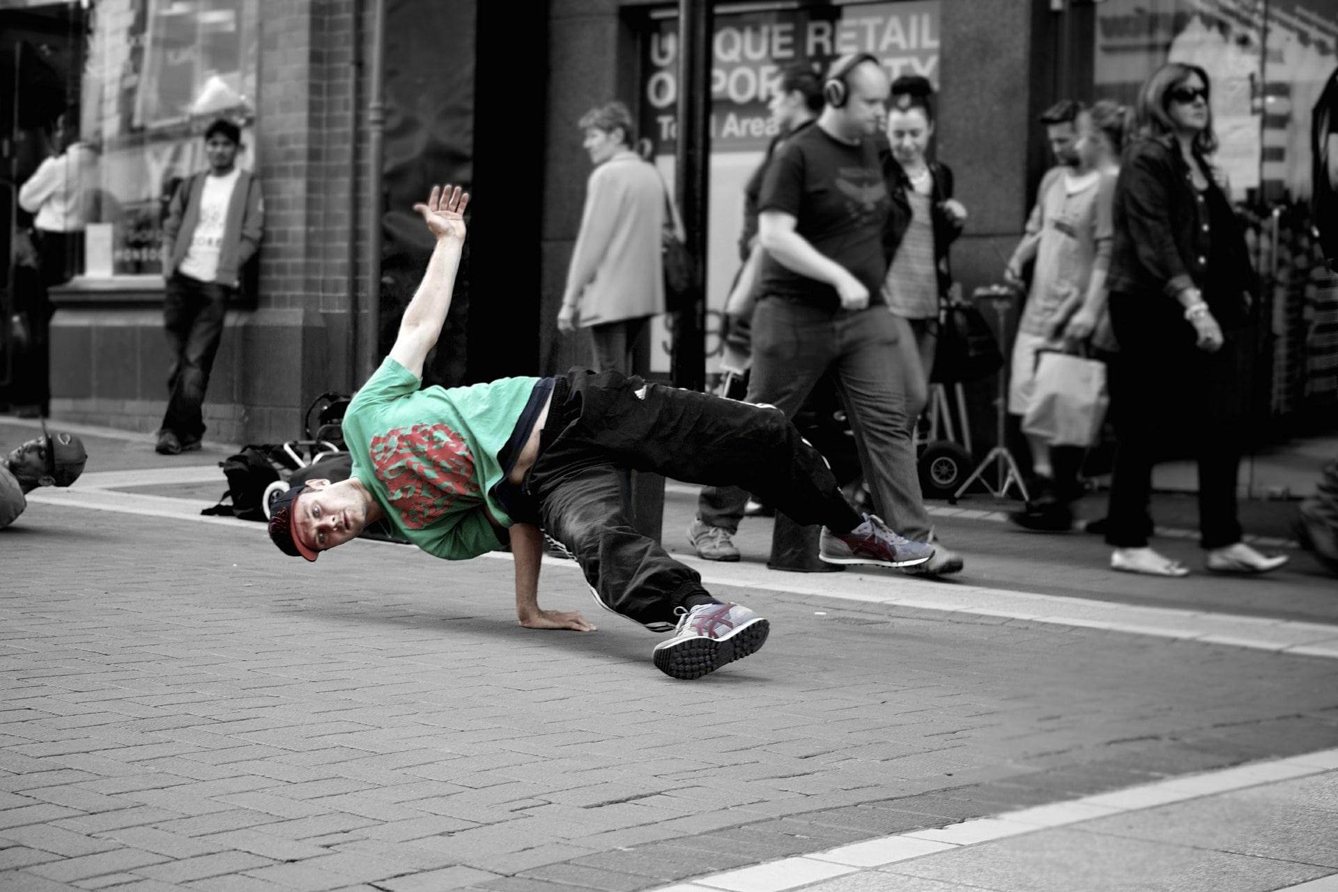 фото танцоров уличных танцев